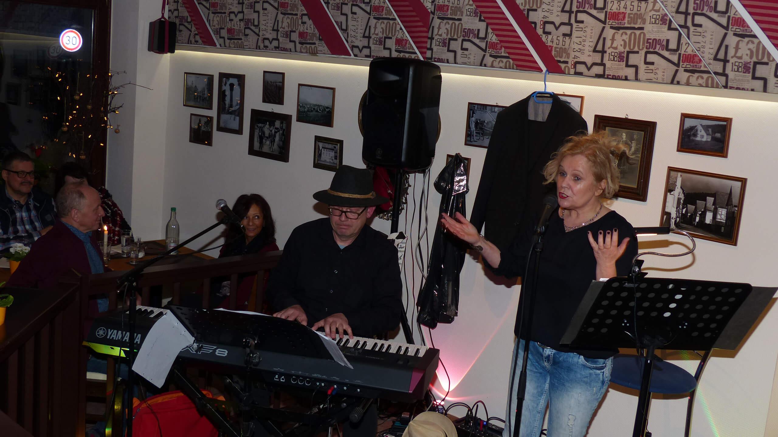 "Eveline Lembke und Daniel Schulz am Piano live im ""Kirchlein"""